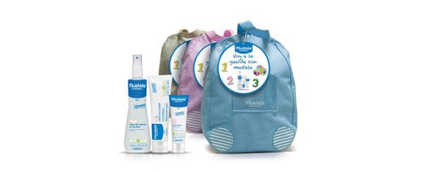 Mochila con productos de higiene Mustela